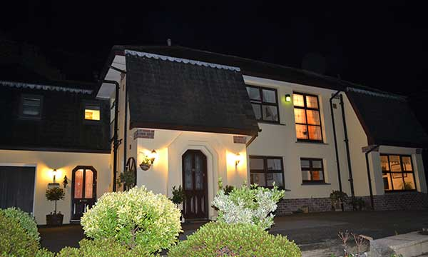Penaber Bed & Breakfast at Night